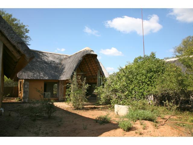 4 Bedroom House for Sale For Sale in Hoedspruit - Private Sale - MR089974