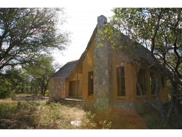 3 Bedroom House for Sale For Sale in Hoedspruit - Home Sell - MR089976