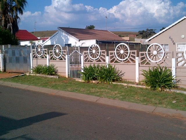 3 Bedroom House For Sale in Lenasia South - Private Sale - MR089982