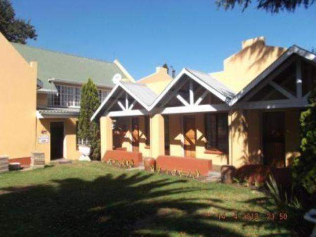 10 Bedroom House For Sale in Ermelo - Private Sale - MR090143