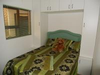 Bed Room 1 - 6 square meters of property in Uvongo