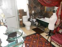 Main Bathroom - 15 square meters of property in Hermanus