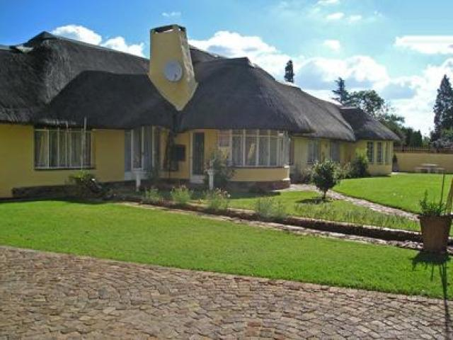 5 Bedroom House to Rent To Rent in Brakpan - Private Rental - MR090319