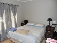Bed Room 1 - 13 square meters of property in Hartenbos
