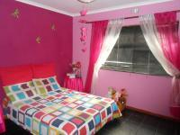 Bed Room 2 - 15 square meters of property in Mitchells Plain