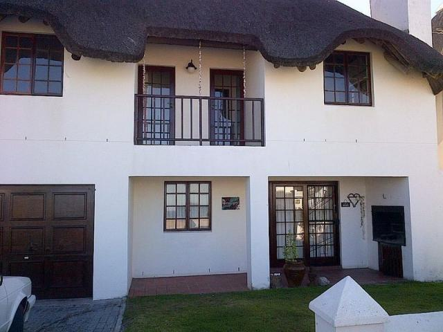 Standard Bank Repossessed 3 Bedroom House for Sale on online auction in St Helena Bay - MR090433