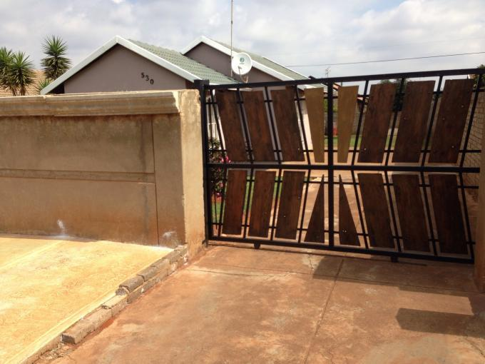 Standard Bank Repossessed 3 Bedroom House for Sale on online auction in Lawley - MR090469