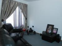 Lounges - 12 square meters of property in Rosslyn