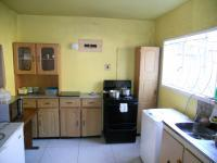 Kitchen - 9 square meters of property in Newlands East