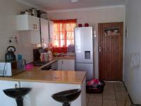 Kitchen - 9 square meters of property in Roodepoort West
