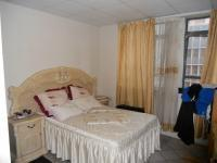 Main Bedroom - 16 square meters of property in Durban Central