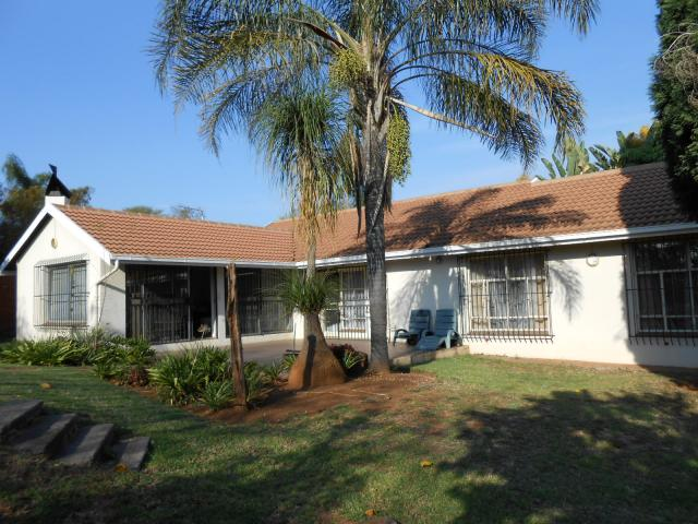 3 Bedroom House for Sale For Sale in Garsfontein - Private Sale - MR090573