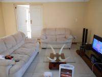 Lounges - 28 square meters of property in Garsfontein
