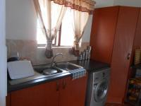 Kitchen - 18 square meters of property in Halfway Gardens