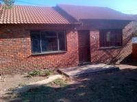 2 Bedroom 1 Bathroom in Lethlabile