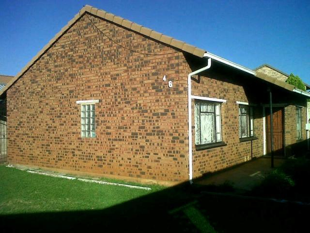 3 Bedroom House For Sale in Eldorado Park A/H - Home Sell - MR090826