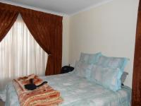 Main Bedroom - 14 square meters of property in Soshanguve