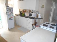 Kitchen - 15 square meters of property in Brakpan