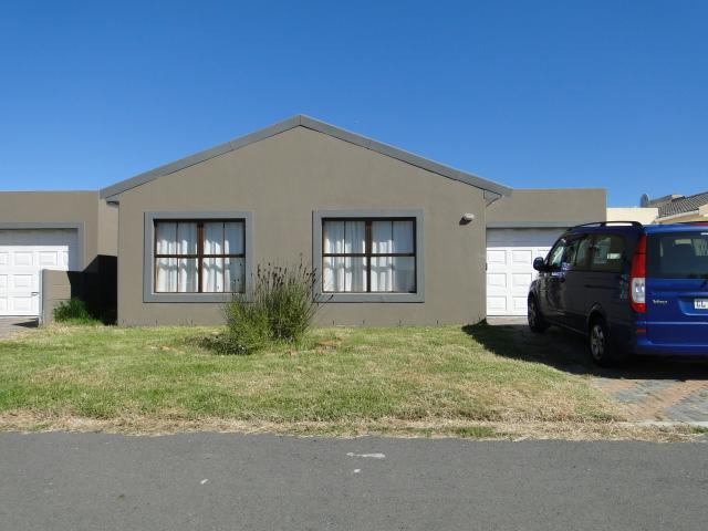 3 Bedroom House for Sale For Sale in Eerste Rivier - Private Sale - MR090953