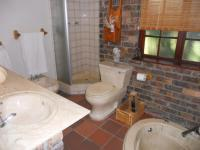 Main Bathroom - 6 square meters