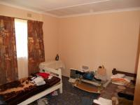 Bed Room 1 - 12 square meters of property in Margate