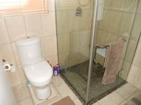 Main Bathroom - 5 square meters of property in Groot Brakrivier