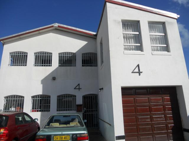 8 Bedroom House For Sale in Cape Town Centre - Home Sell - MR091077