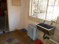 Kitchen - 35 square meters of property in Hartbeespoort