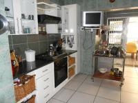 Kitchen - 38 square meters of property in Clubview