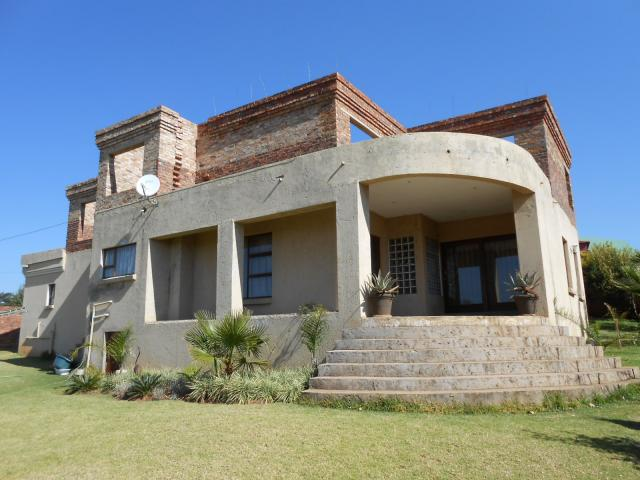 4 Bedroom House for Sale For Sale in Centurion Central (Verwoerdburg Stad) - Private Sale - MR091201