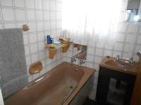 Bathroom 1 - 3 square meters of property in Klopperpark