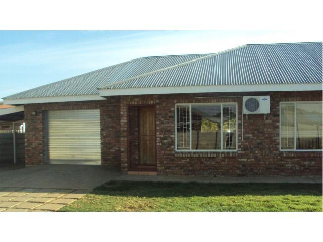 3 Bedroom House for Sale For Sale in Lichtenburg - Private Sale - MR091250