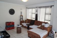 Lounges - 13 square meters of property in Bredasdorp