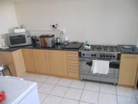 Kitchen - 23 square meters of property in Bothasig