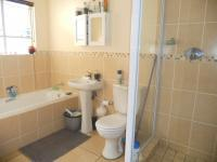 Main Bathroom - 5 square meters of property in Ormonde