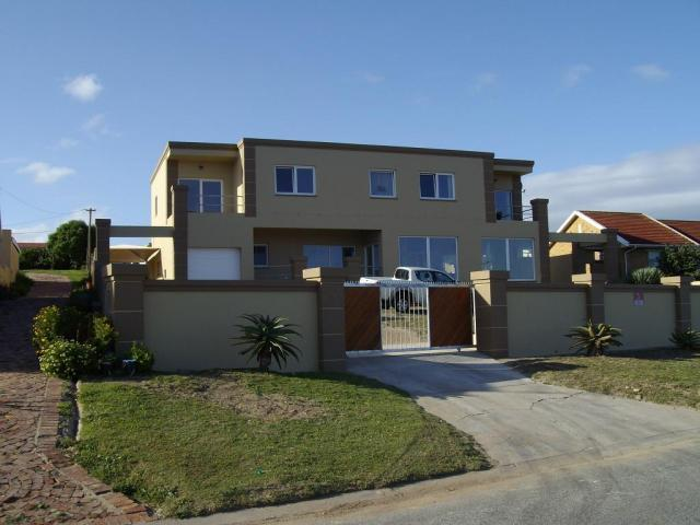 5 Bedroom House For Sale in Mossel Bay - Home Sell - MR091299