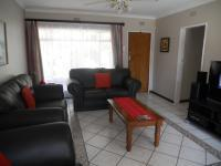 Lounges - 21 square meters of property in Witpoortjie