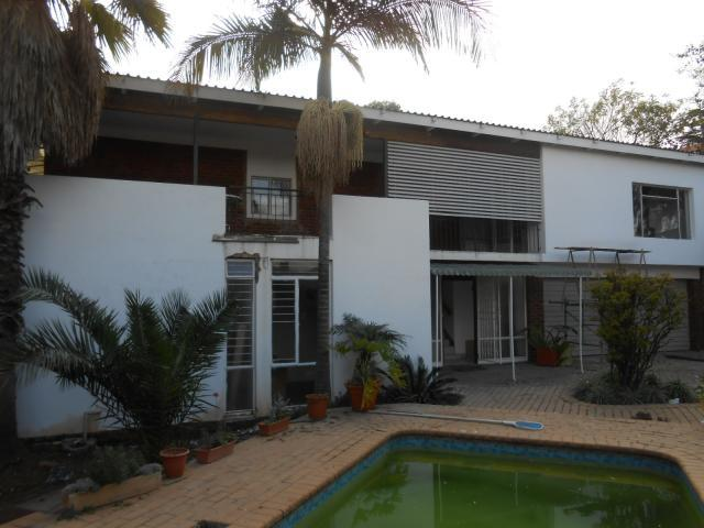 4 Bedroom House for Sale For Sale in Waterkloof Ridge - Home Sell - MR091367