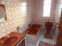 Bathroom 1 - 2 square meters of property in Sunnyside
