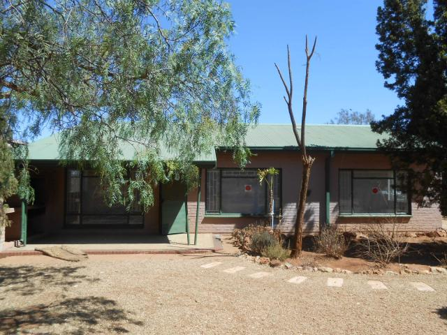 Standard Bank Repossessed 3 Bedroom House on online auction in Hartebeesfontein - MR091428