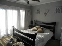 Main Bedroom - 12 square meters of property in Willowbrook