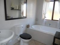 Bathroom 1 - 3 square meters of property in Willowbrook