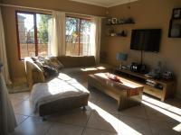Lounges - 15 square meters of property in Willowbrook