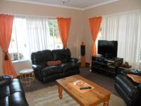 Lounges - 21 square meters of property in Parow Central