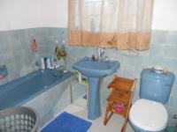 Bathroom 1 - 6 square meters of property in Parow Central