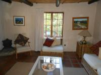 Lounges - 35 square meters of property in McGregor
