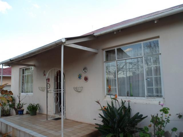 3 Bedroom House for Sale For Sale in Westdene - Private Sale - MR091652