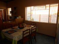 Dining Room - 14 square meters of property in Parrow Valley