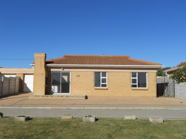 Standard Bank EasySell 3 Bedroom House For Sale in Mossel Bay - MR091697
