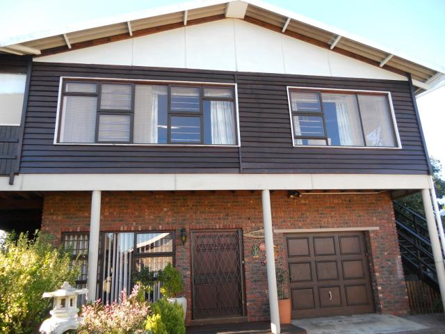 4 Bedroom House for Sale For Sale in Klein-Brakrivier - Private Sale - MR091992